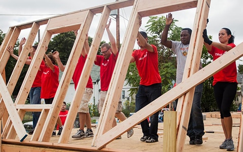 Travelers employees building FORTIFIED home