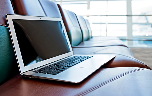 Laptop left behind on bench is a cyber risk for businesses