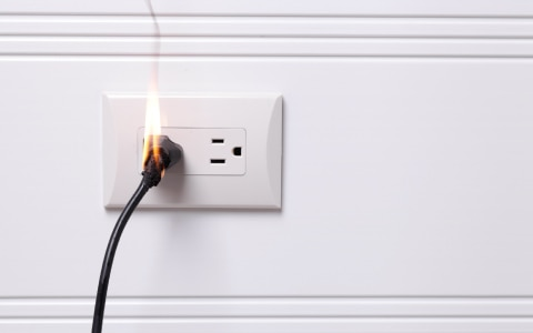 Plug that catches fire